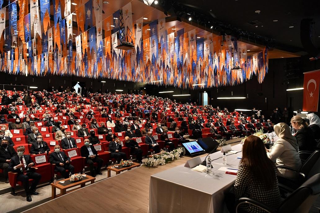 Başkan Büyükkılıç, AK Parti Kadın Kolları Kongresi'ne Katıldı