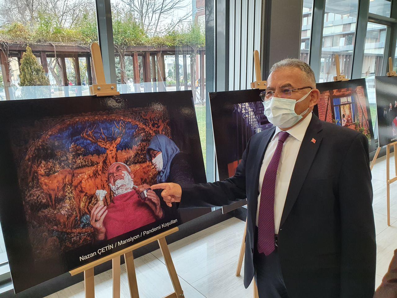 Başkanlar 'Pandemi İle Yaşam' Konulu Sergiyi Gezdi