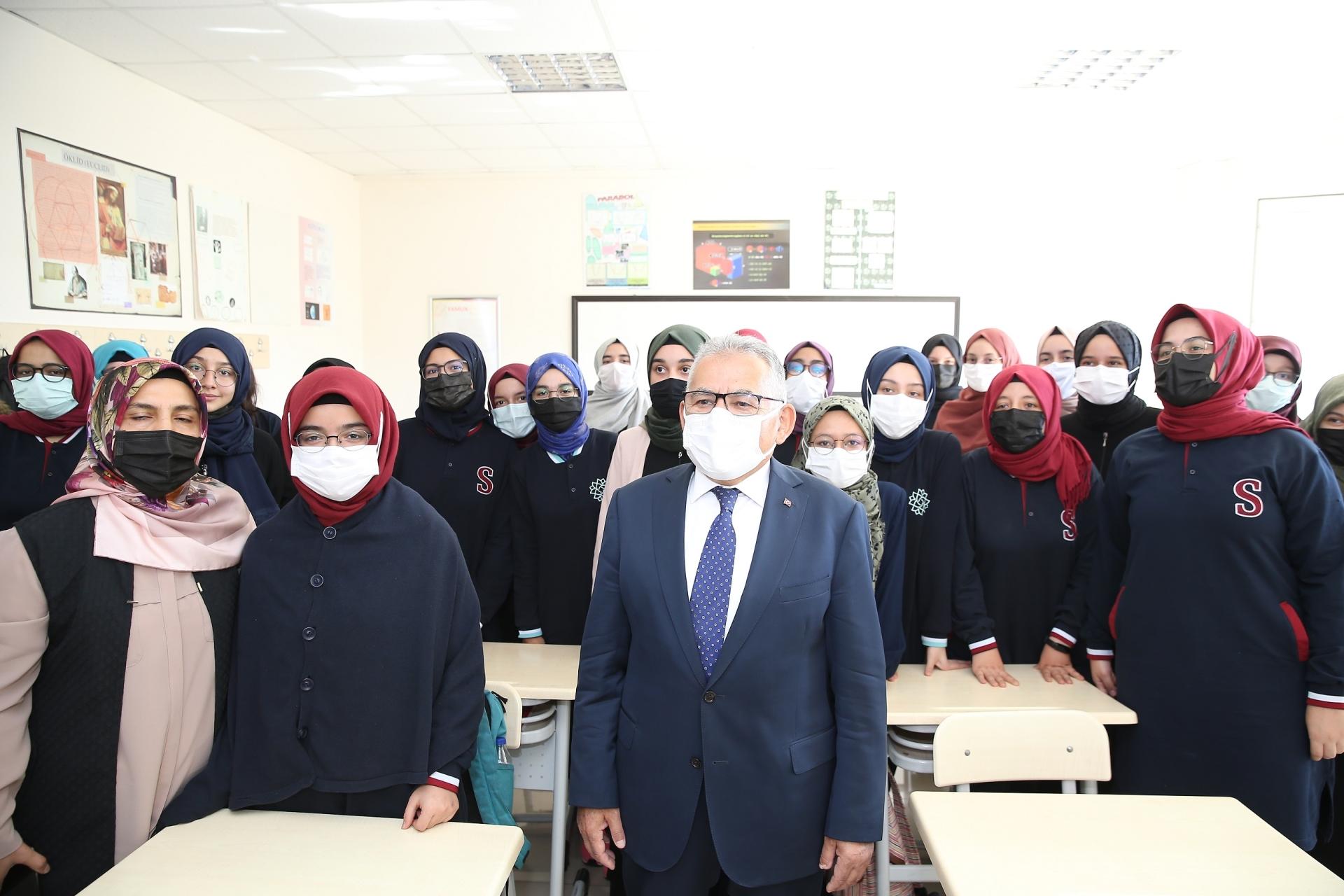 Başkan Büyükkılıç, İmam Hatipli Öğrencilerle Buluştu