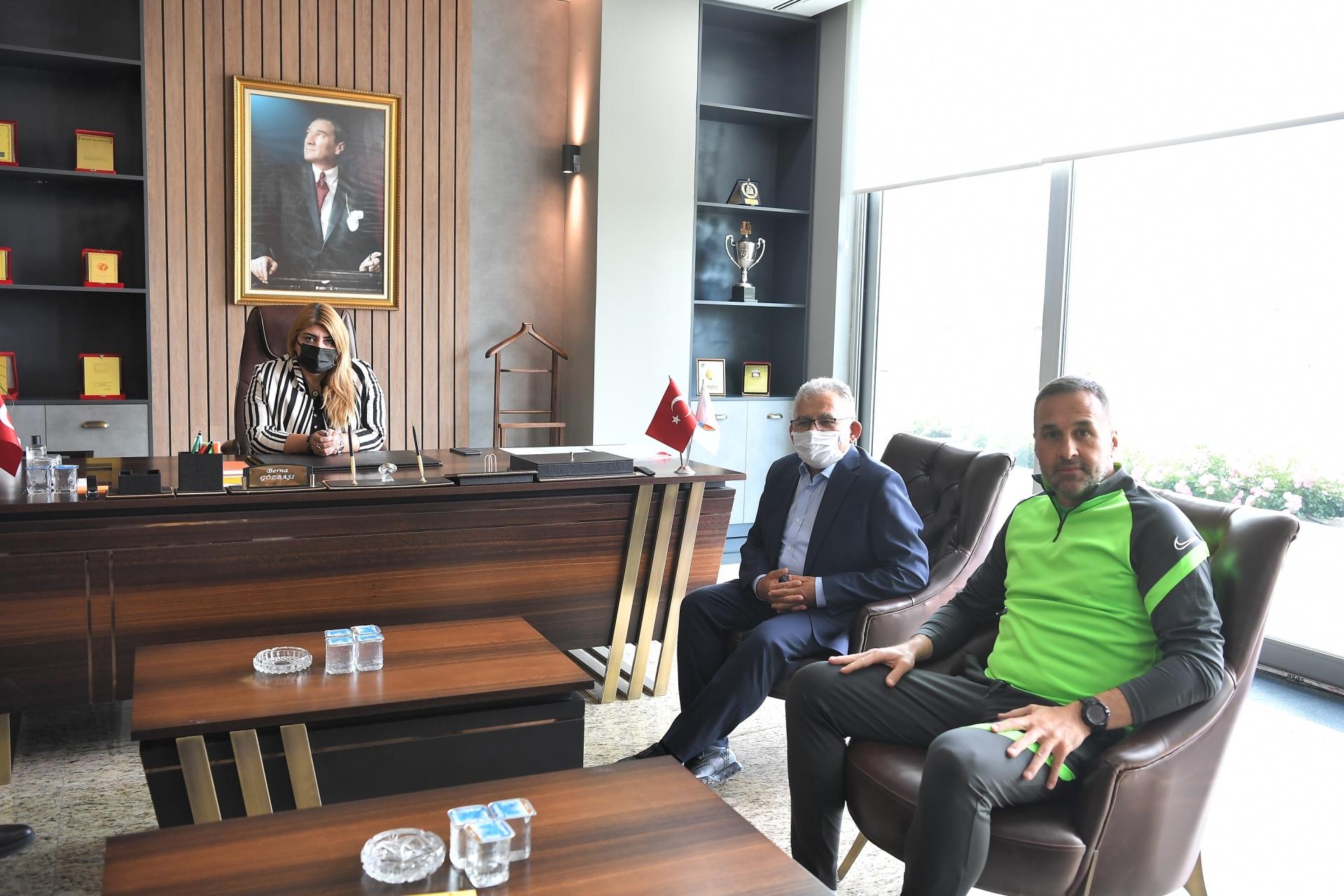 """Başkan Büyükkılıç'tan """"Kayserispor"""" Ziyareti"""