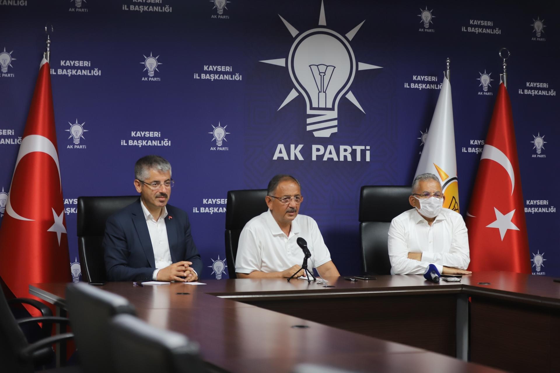 Büyükkılıç, AK Parti Teşkilatı İle Bayramlaştı