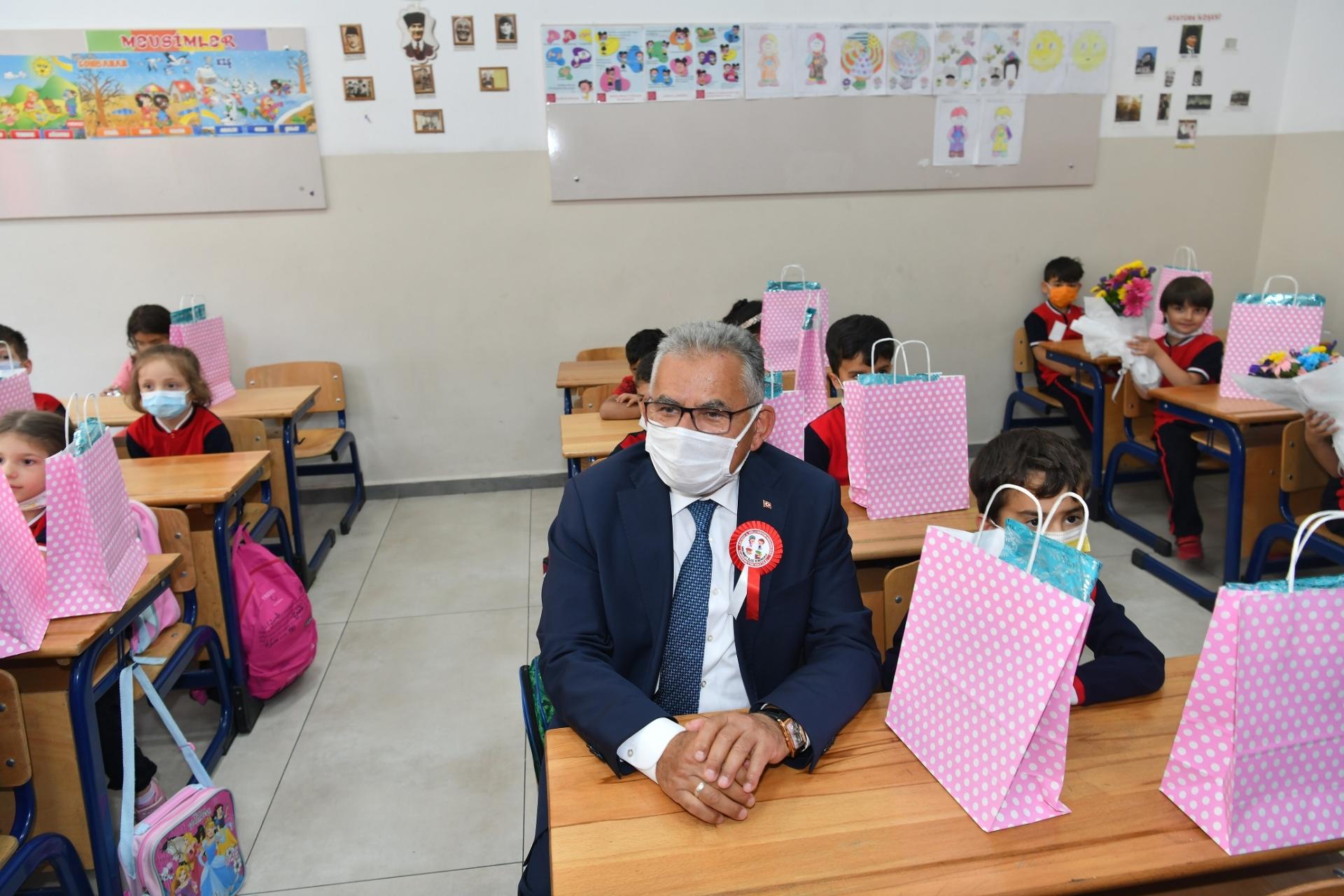 Büyükkılıç, Eğitim-Öğretim Açılışı ve Ahilik Kutlamalarına Katıldı