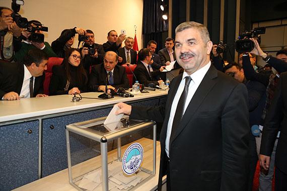 Büyükşehir'in Yeni Başkanı Mustafa Çelik